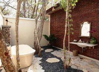 http://photos.hotelbeds.com/giata/59/592063/592063a_hb_ro_026.jpg
