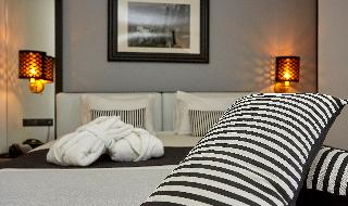 http://photos.hotelbeds.com/giata/59/592509/592509a_hb_ro_020.jpg