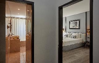 http://photos.hotelbeds.com/giata/59/592509/592509a_hb_ro_035.jpg