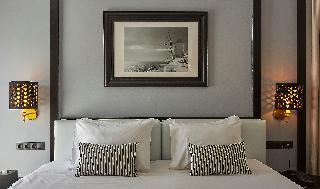 http://photos.hotelbeds.com/giata/59/592509/592509a_hb_ro_037.jpg