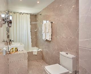 http://photos.hotelbeds.com/giata/59/592509/592509a_hb_ro_038.jpg