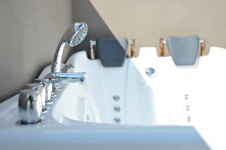 http://photos.hotelbeds.com/giata/59/592509/592509a_hb_ro_049.jpg