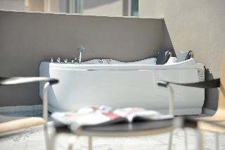http://photos.hotelbeds.com/giata/59/592509/592509a_hb_ro_050.jpg
