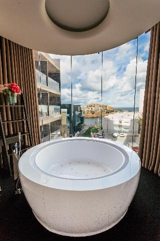 http://photos.hotelbeds.com/giata/60/602174/602174a_hb_ro_021.jpg