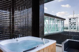 http://photos.hotelbeds.com/giata/60/602174/602174a_hb_ro_080.jpg