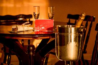 http://photos.hotelbeds.com/giata/60/603086/603086a_hb_ro_023.jpg