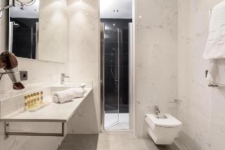 http://photos.hotelbeds.com/giata/60/605561/605561a_hb_ro_030.jpg