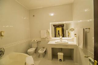 http://photos.hotelbeds.com/giata/62/629070/629070a_hb_ro_141.jpg