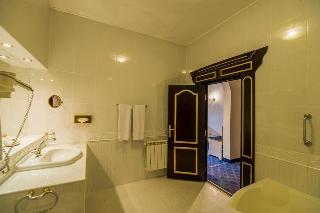 http://photos.hotelbeds.com/giata/62/629070/629070a_hb_ro_149.jpg