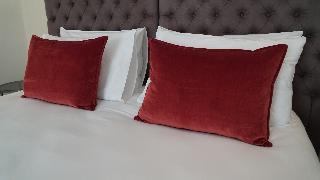 http://photos.hotelbeds.com/giata/63/632489/632489a_hb_ro_022.JPG