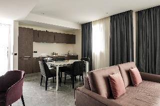 http://photos.hotelbeds.com/giata/63/632489/632489a_hb_ro_082.jpg