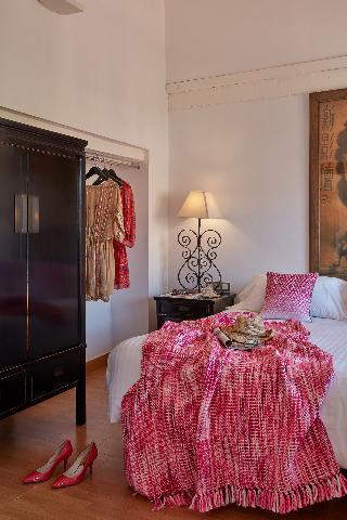http://photos.hotelbeds.com/giata/63/632954/632954a_hb_ro_052.jpg