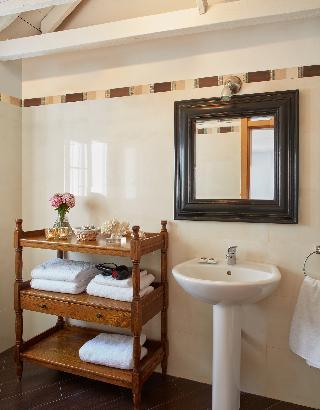http://photos.hotelbeds.com/giata/63/632954/632954a_hb_ro_053.jpg