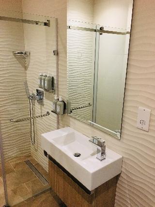 http://photos.hotelbeds.com/giata/64/642346/642346a_hb_ro_040.jpg