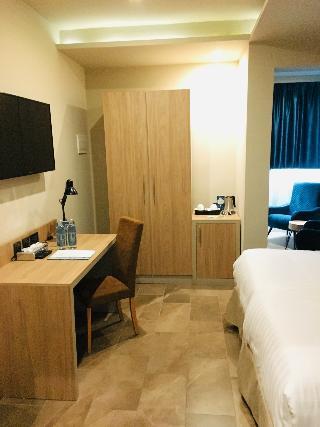 http://photos.hotelbeds.com/giata/64/642346/642346a_hb_ro_043.jpg