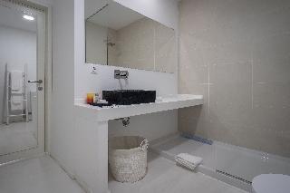 http://photos.hotelbeds.com/giata/65/651661/651661a_hb_ro_038.jpg