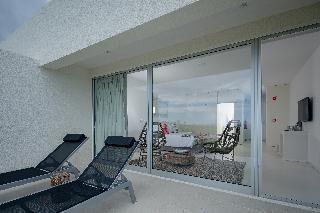 http://photos.hotelbeds.com/giata/65/651661/651661a_hb_ro_039.jpg