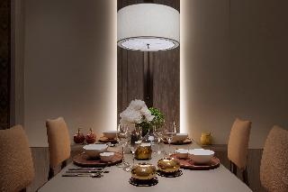 http://photos.hotelbeds.com/giata/65/654309/654309a_hb_ro_070.jpg
