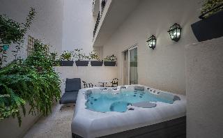 http://photos.hotelbeds.com/giata/65/654544/654544a_hb_ro_043.jpg