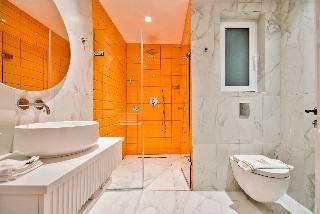 http://photos.hotelbeds.com/giata/65/654544/654544a_hb_ro_196.jpg