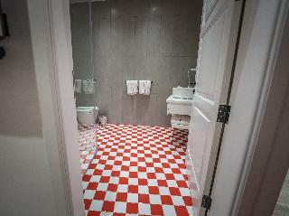 http://photos.hotelbeds.com/giata/65/654544/654544a_hb_ro_202.jpg