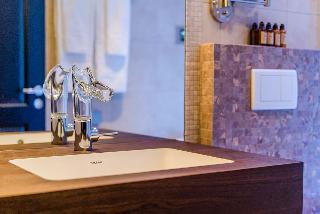 http://photos.hotelbeds.com/giata/65/656961/656961a_hb_ro_010.jpg