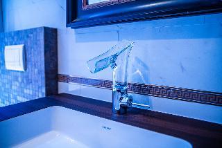 http://photos.hotelbeds.com/giata/65/656961/656961a_hb_ro_020.jpg