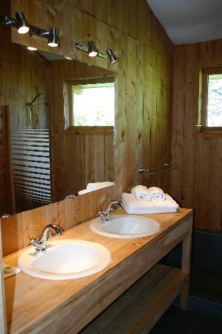 http://photos.hotelbeds.com/giata/70/706889/706889a_hb_ro_014.jpeg