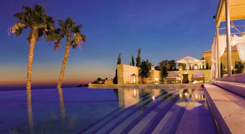 Gran Hotel Bahia del Duque 6