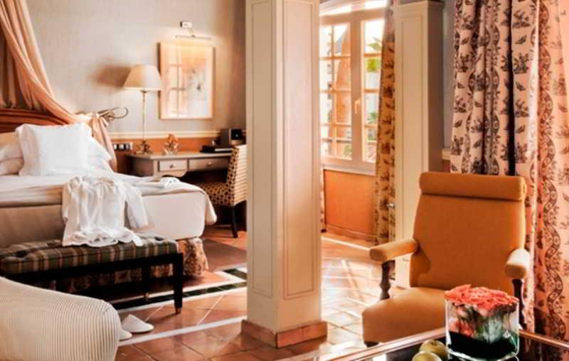 Gran Hotel Bahia del Duque 3