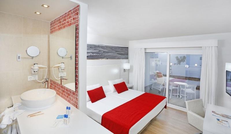 Aequora Lazarote Suites 9