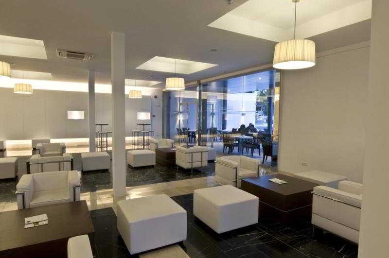 Las Gaviotas Suites Hotel & Spa 36
