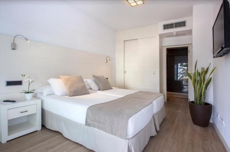 Las Gaviotas Suites Hotel & Spa 35