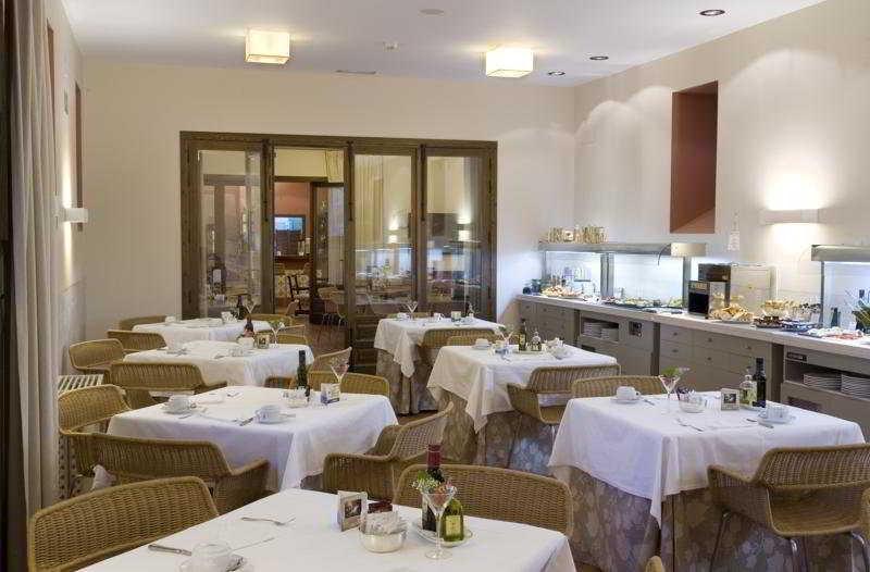 Jarandilla de la vera hotels from 63 cheap hotels - Parador de jarandilla de la vera ...