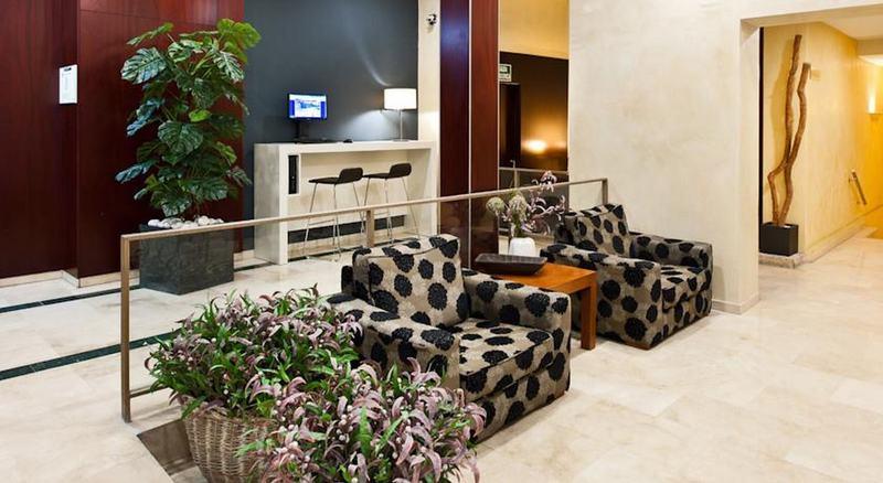 Hotel catalonia puerta del sol madrid desde 88 rumbo for Resort puertas del sol precios