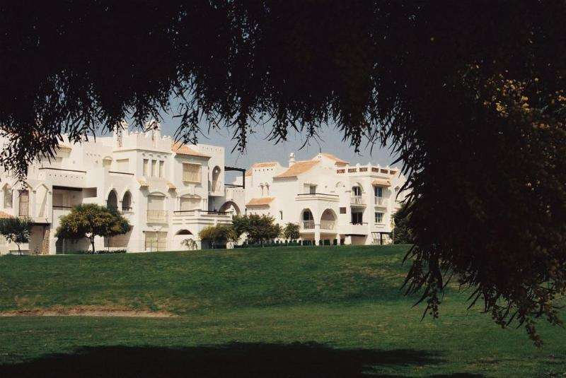 Apartahotel Golf Center thumb-4