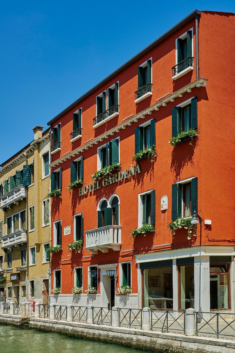 Hotel Gardena thumb-4