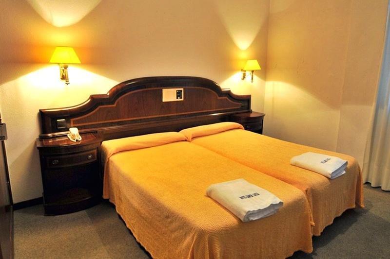 Hotel Santa Lucia thumb-2