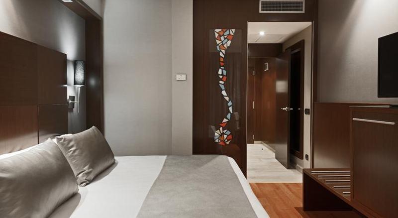 Hotel Catalonia Goya thumb-4