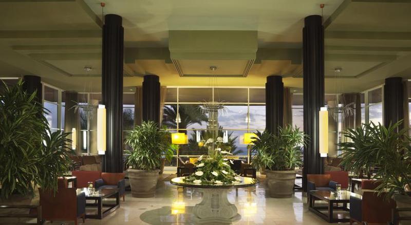 Adrian Hoteles Roca Nivaria 14