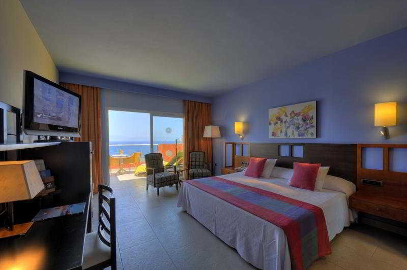 Adrian Hoteles Roca Nivaria 17