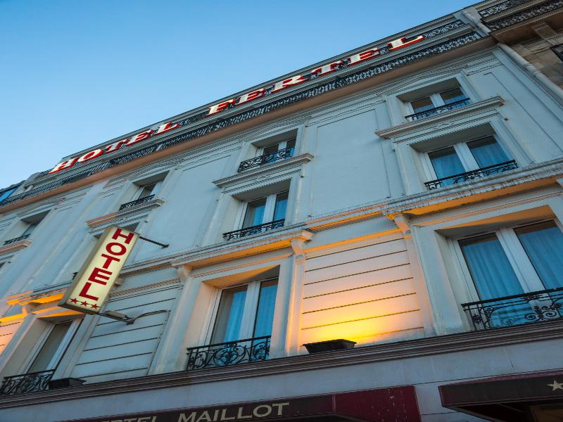 Fertel maillot hotel paris from 86 for Hotel porte maillot