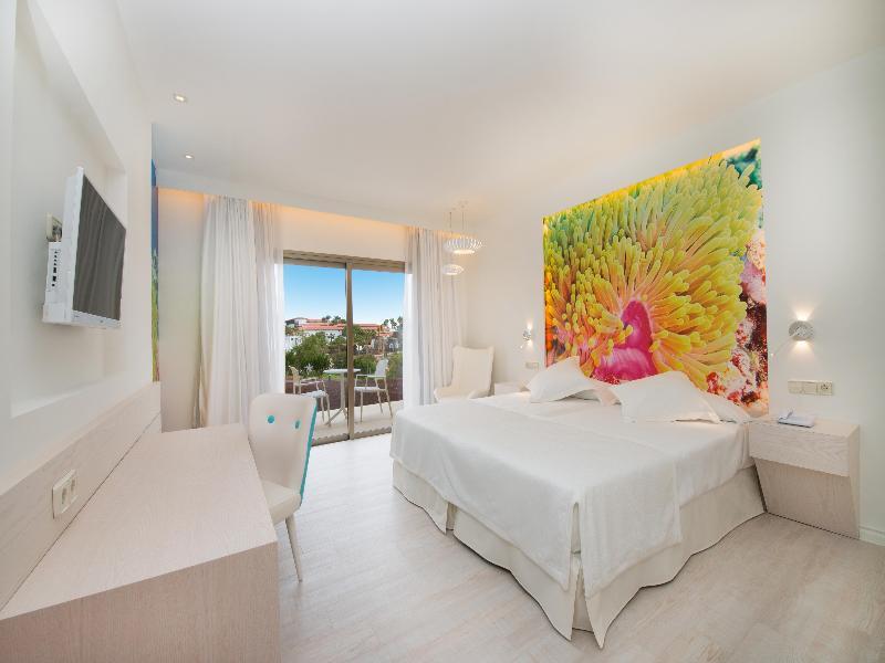 Iberostar Hotel Playa Gaviotas Park 13