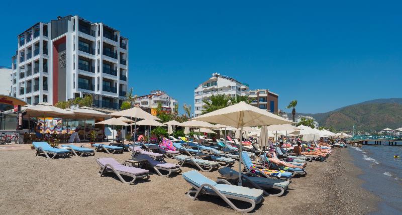 Hotel Natalie's Beach Hotel