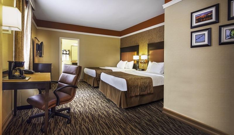 Hotel La Quinta Manhattan thumb-3