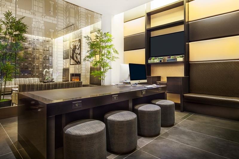 Hotel La Quinta Manhattan thumb-4