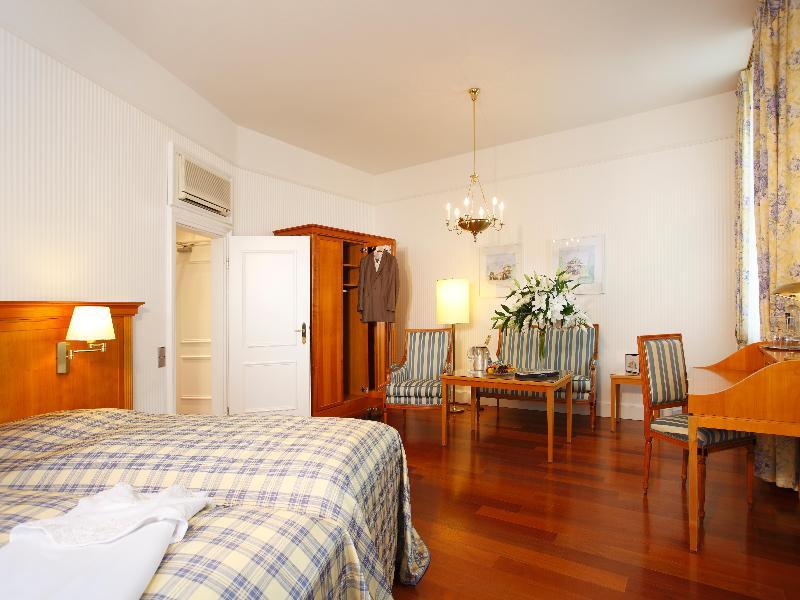 Apartamentos seeger living apartments am karlstor for Appart hotel karlsruhe