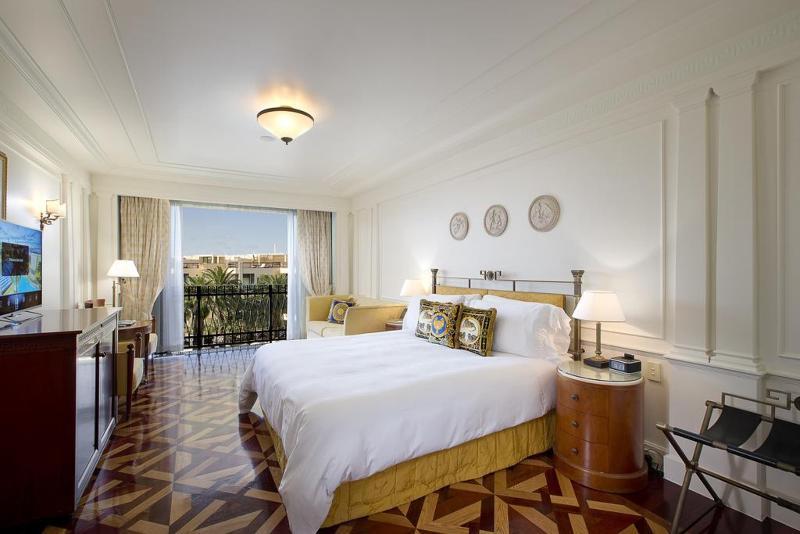 http://photos.hotelbeds.com/giata/bigger/09/097048/097048a_hb_ro_004.jpg