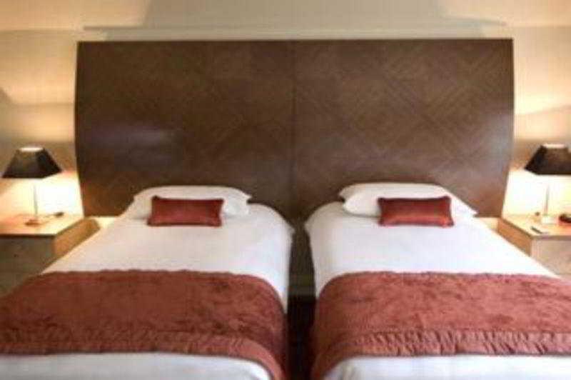 Hotel Premier Suites Dublin thumb-2