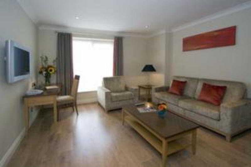 Hotel Premier Suites Dublin thumb-3